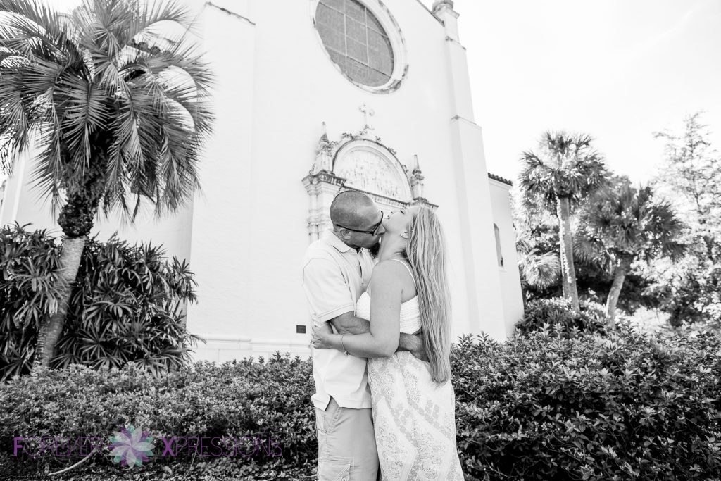 Forever_Xpressions_Engagement_Session_Winter_Park_Rollins_College-0038